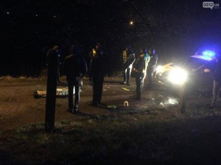 На Закарпатті посеред вулиці знайшли тіло жінки