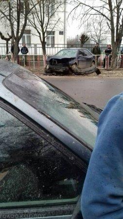 ДТП на Закарпатті: в однієї з автівок розтрощений «передок» (ФОТО)