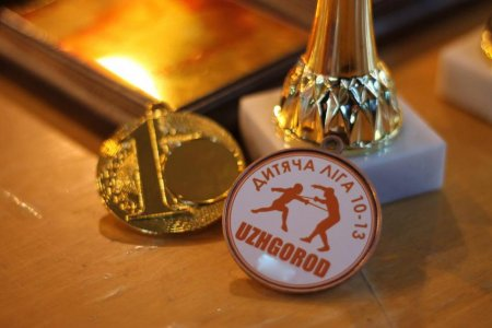 Сьогодні в Ужгород зїхалися фехтувальники з усієї України