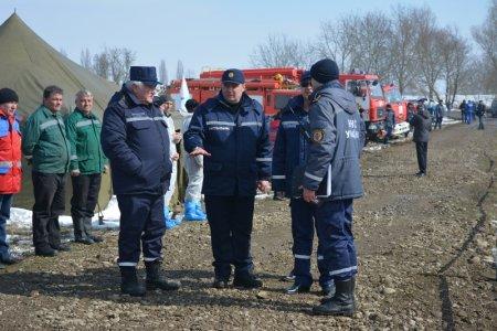 У Виноградівському та Перечинському районі навчались ліквідовувати паводок та аварію на продуктопроводі