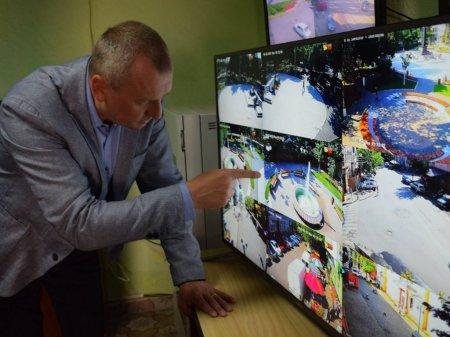 В Берегові ведеться цілодобове відеоспостереження за порушниками (відео)