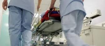 В Берегові на території лікарні з вихованцем української гімназії стався нещасний випадок