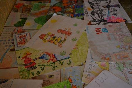 Дитячі малюнки, які не змусили червоніти їхніх батьків (ФОТО)