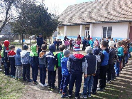 На Берегівщині рятувальники перевіряють протипожежний стан закладів освіти
