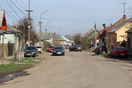 Віталій Любка розповів про ремонт доріг на Виноградівщині у цьому році