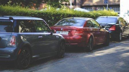 Водіям заборонять паркуватися вздовж доріг, та на тротуарах