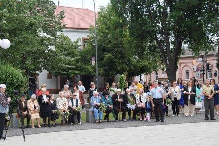 В Берегові відбувся урочистий мітинг до Дня перемоги (фото)