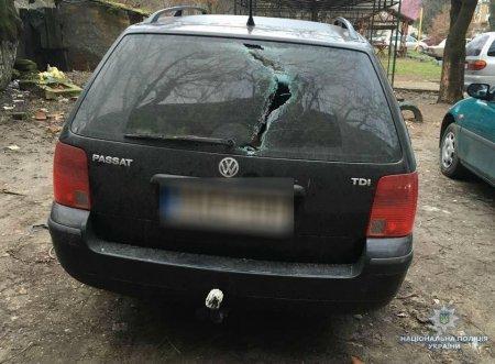 Поліція повідомила про підозру двом чоловікам, які в Берегові пошкодили 9 автомобілів