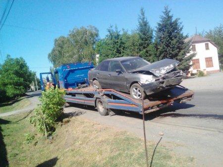 На Виноградівщині молодики викрали автомобіль AUDI-80 та розбили його (фото)