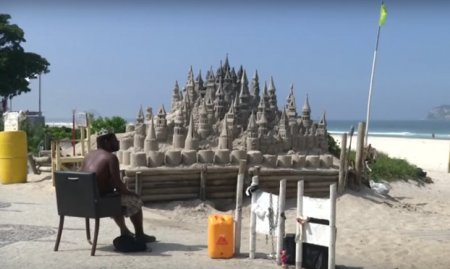 Бразилець прожив 22 роки в пісочному замку на пляжі (ВІДЕО)
