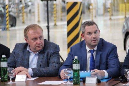 Під час робочого візиту прем'єр-міністра Володимира Гройсмана до Закарпатської області спілкувались з іноземними інвесторами