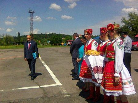 На Закарпаття прибув Петро Порошенко (ФОТО)