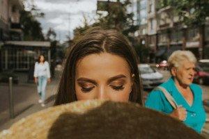 """Дівчина зі Сваляви створює образи для """"світських левиць"""" столиці (ФОТО)"""