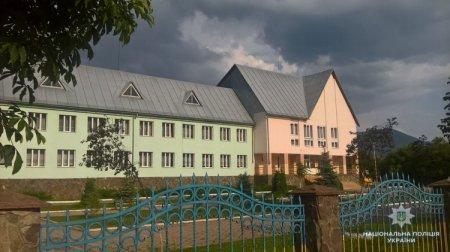 У Міжгір`ї затримали підозрюваного у крадіжці електропроводу з недобудованого шкільного корпусу (ФОТО)