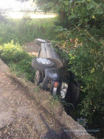 На Закарпатті п'яний водій наробив біди та втік