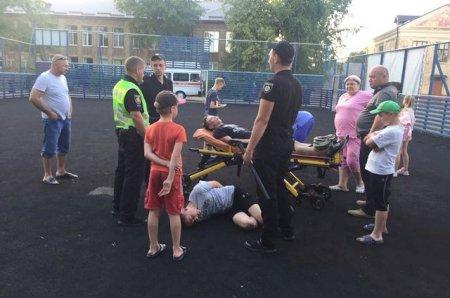 Школярі жорстоко били ногами восьмикласника, оскільки кривдникам не сподобалась відповідь на їхні запитання