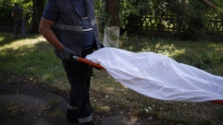 """""""Нападає на дівчат, вбиває і гвалтує їх …"""": Поліцейські знайшли тіло голої жінки (ФОТО)"""