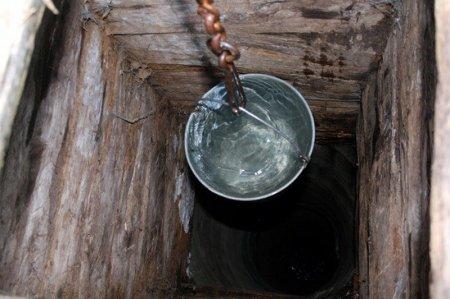 На Прикарпатті в колодязі знайшли людські рештки