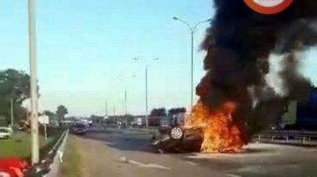Машина летіла зі звуком літака: Пасажирка авто живцем згоріла під час ДТП 19/06/2018