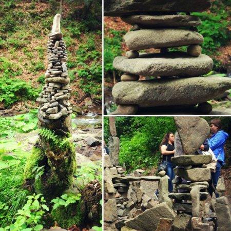 Біля водоспаду Шипіт, що на Міжгірщині, з'явились містечко з каменю (Відео)