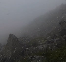Закарпатські гори знову накрив сніг (ВІДЕО)
