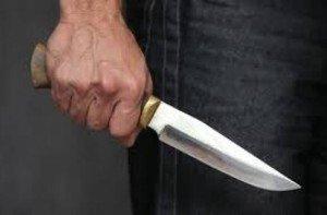 На Закарпатті під час бійки  іноземець встромив ножа в ногу закарпатцю