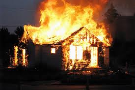 Житель Тячівщини підпалив будинок свого сусіда