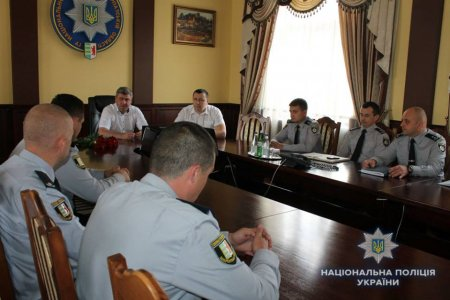 Керівник поліції Закарпаття відзначив найкращих молодих слідчих
