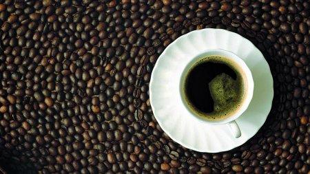 Вчені розповіли про користь шести чашок кави в день