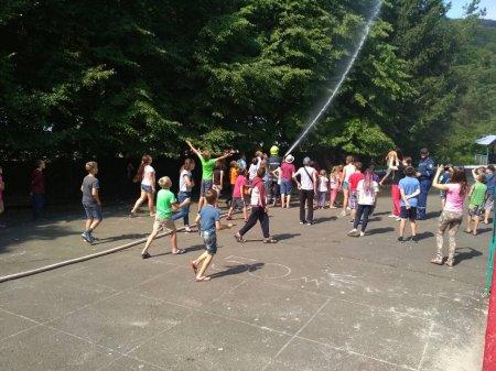 Перечинські рятувальники навчали дітей правилам безпечної поведінки під час літніх канікул