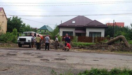 Комунальні служби відновили водопостачання Виноградова але містянам треба готуватися до гіршого (відео)