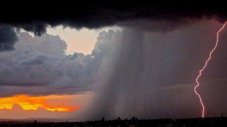 До Закарпаття йде прохолода: місцями очікується короткочасний дощ, грози та посиленням вітру (ВІДЕО)