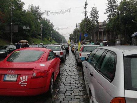 """Починається ще один «Майдан»? Активісти на """"евробляхах"""" озвучили свої вимоги (ФОТО)"""