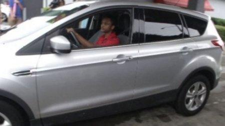 У США бос подарував підлеглому авто за те, що він пішки здолав 32 км, поспішаючи на роботу (ФОТО)