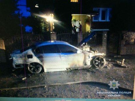 Закарпатські поліцейські встановлюють обставини підпалу двох автомобілів (ФОТО)