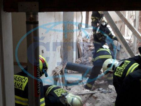 У Празі троє заробітчан із Закарпаття опинились під завалами будівлі (ФОТО)