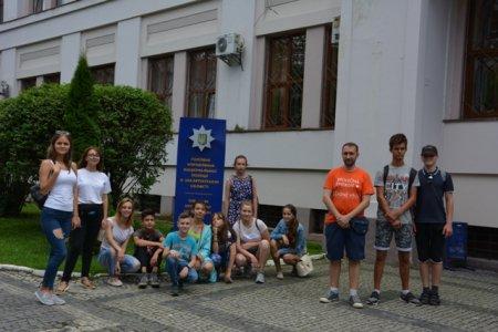 До ужгородської поліції завітали діти з літнього табору (ФОТО)