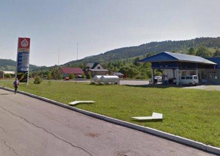 У Ясінях клієнт поскаржився на автозаправку через... перелив бензину