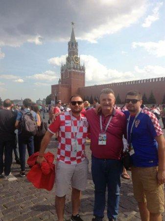 Депутат Закарпатської облради на фоні Московського Кремля (фото)