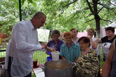 До 300 нужденних жителів Берегова харчуються на соціальній кухні(фото)