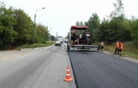 Дорогу  від Нижніх Воріт до Міжгір'я ремонтують у борг (ВІДЕО)