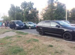 В Ужгороді зіткнулися одразу три машини