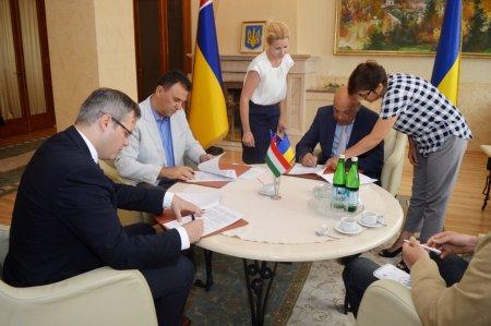 Сьогодні в камінному залі ОДА відбулася важлива українсько-угорська зустріч (ФОТО)
