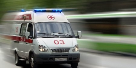 На Закарпатті чоловік впав з балкону власної хати та помер