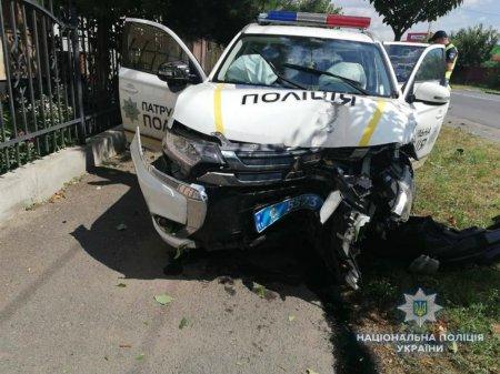 Поліція встановлює обставини ДТП в Мукачеві за участі патрульної поліції