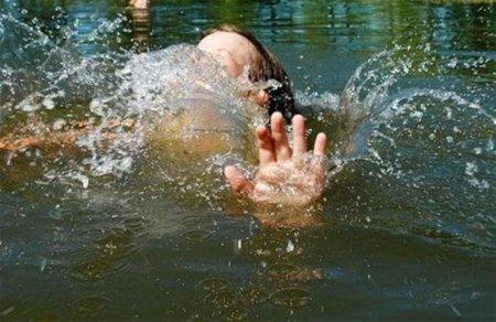 Молода дівчина та хлопець втопилися в селі Липча Хустського району