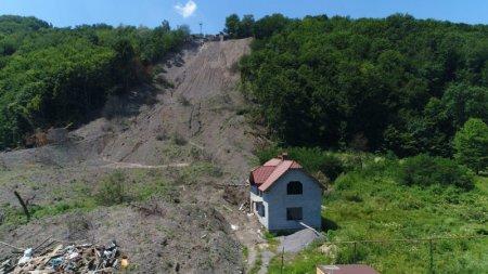 Мукачівська райрада виділила компенсацію постраждалим від зсуву в Кольчині (ВІДЕО)