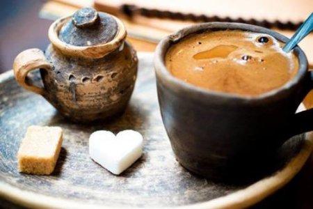 Вчені пояснили, чому потрібно пити каву кожного дня