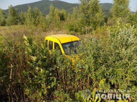 Постраждала дитина: Поліція Хустщини розслідує факт аварії неподалік села Рокосово
