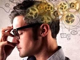 Розумні люди часто пізно лягають спати, люблять безлад і більше лаються